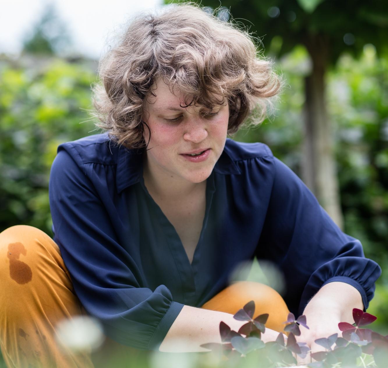 Kamerplanten kweken is een vorm van therapie volgens Karen Van der Perre